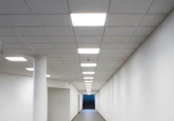 Pannelli luminosi a LED: ecco quanto puoi risparmiare rispetto a un tradizionale pannello con tubi fluorescenti!