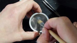 riparare fori di sigaretta