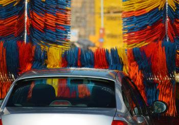 Il meglio dei detergenti per pulire a fondo l'auto!