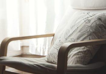 Quale è il prodotto professionale ideale per riparare mobile in legno? Prova la colla per sedie e tavoli Würth!