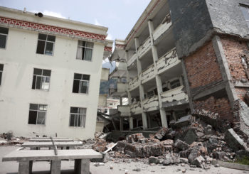 Quale prodotto scegliere tra tasselli e ancoranti per realizzare un fissaggio sismico?