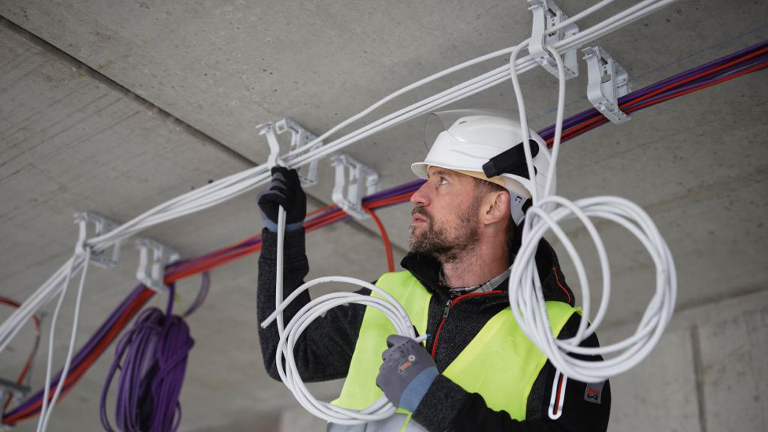 Banco Da Lavoro Per Elettricisti : Forbici da elettricista professionali: le migliori per tenuta e