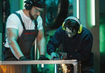 Protezione dell'udito: DPI indispensabili per evitare i rischi del rumore negli ambienti di lavoro