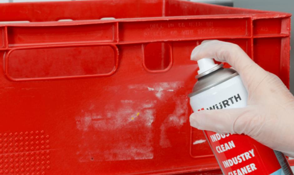 Detergenti Industriali: l'arma segreta per rimuovere colla, adesivi e i più comuni tipi di sporco