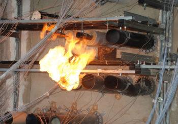 Come determinare la resistenza al fuoco di un prodotto per la sigillatura di attraversamenti di impianti e giunti lineari?
