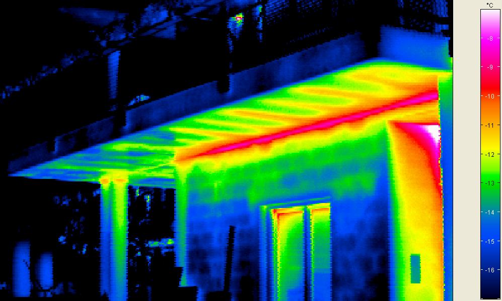 Ponte termico in corrispondenza del solaio del balcone