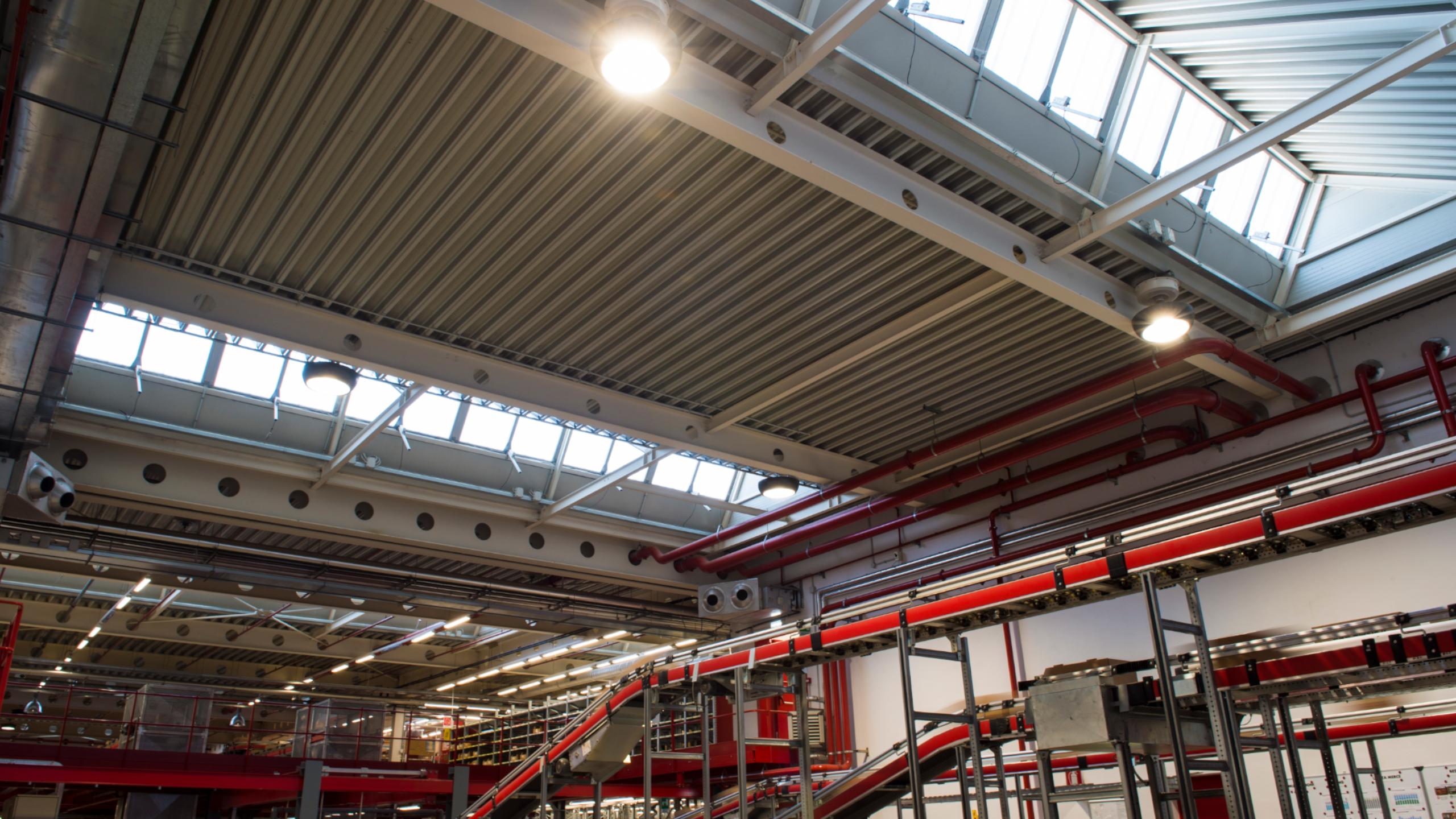 Plafoniere Per Capannoni Industriali : Ledlux faro led industriale w per capannone bianco neutro a z