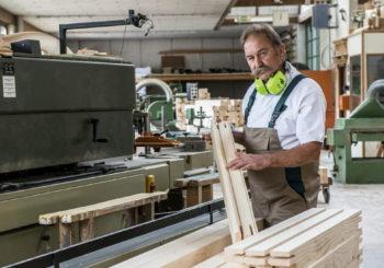 I migliori prodotti per i falegnami: ecco cosa non può mai mancare nella cassetta attrezzi di chi lavora con legno