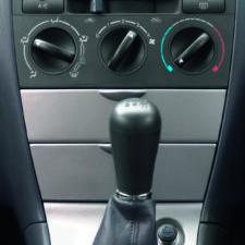 Strumenti e attrezzatura per climatizzatori auto
