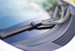 Spazzole tergicristallo: scegli le migliori per le auto dei tuoi clienti!