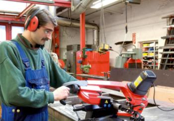 Cerchi una segatrice a nastro professionale per metallo che sia precisa e compatta? Scopri la nuova PBS 120 di Würth!
