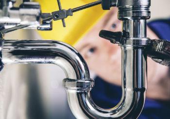 I migliori prodotti e attrezzi per idraulico: cosa non può mai mancare nella tua valigetta