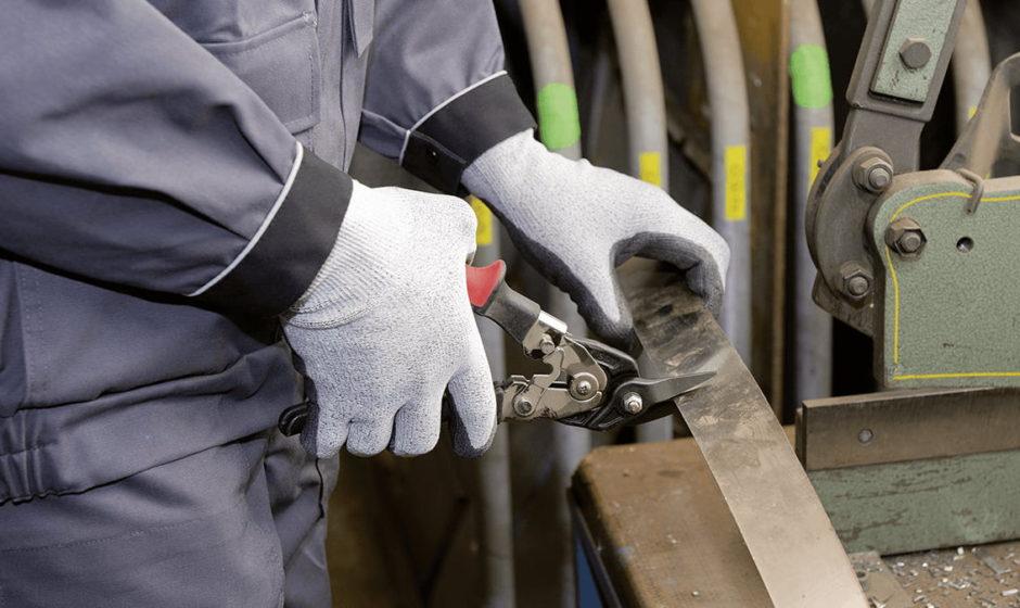 Guanti antitaglio: la classificazione completa per scegliere al meglio i guanti da lavoro