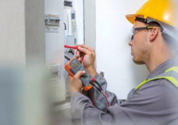 I migliori prodotti per gli elettricisti: cosa non deve mancare nella borsa dell'elettricista?