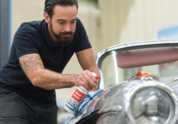 Lucidare la carrozzeria dell'auto: paste abrasive e prodotti per lucidatura auto