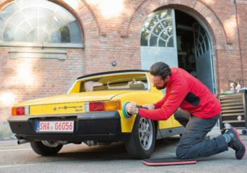 Ologrammi auto: perché si formano e come eliminarli