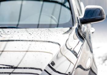 Non trascurare il parabrezza: scegli lavacristalli di qualità Würth per le auto dei tuoi clienti