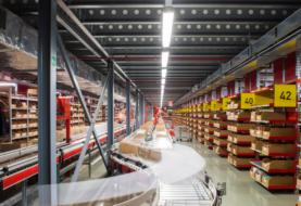 Illuminazione industriale LED a basso costo: migliora il lavoro e riduci i costi in bolletta!