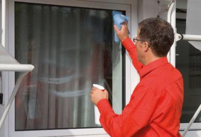 Prodotti per la pulizia degli infissi: dopo la posa, proponi pulizia e manutenzione ai tuoi clienti!