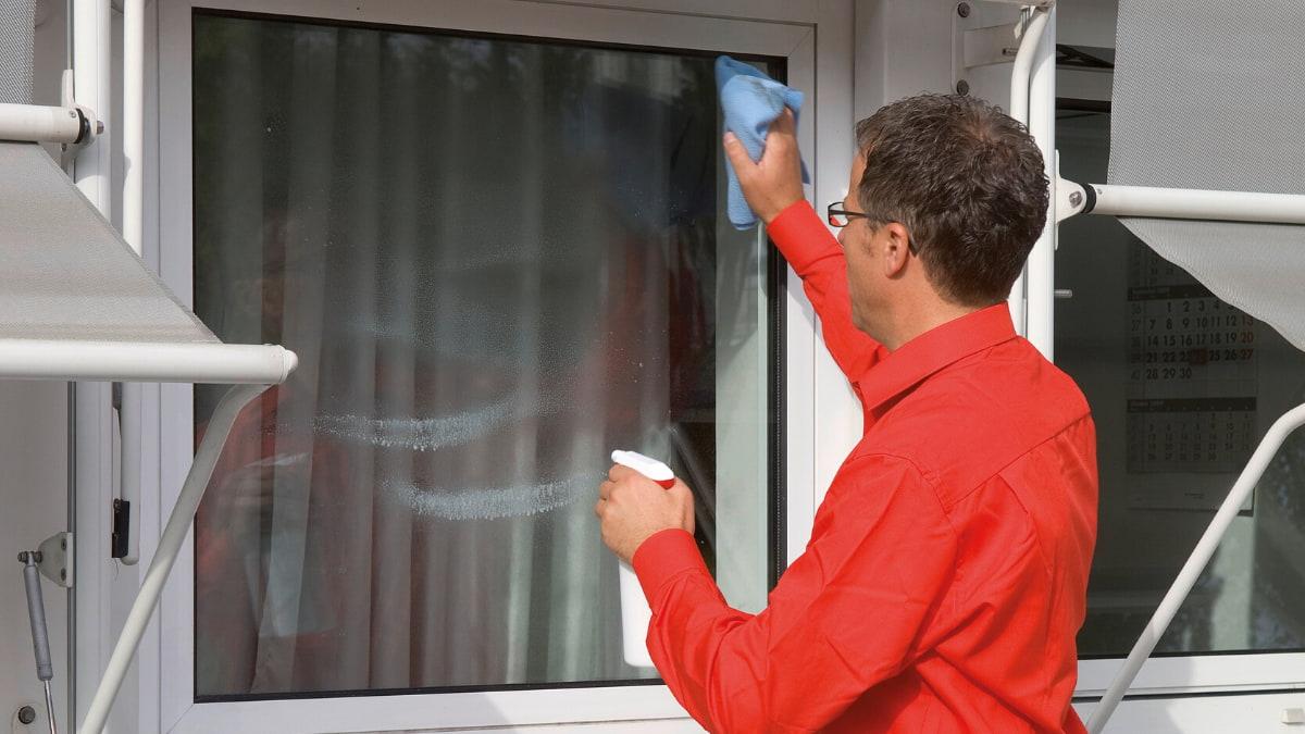 Come Verniciare Gli Infissi prodotti per pulizia infissi: proponi un servizio in più ai