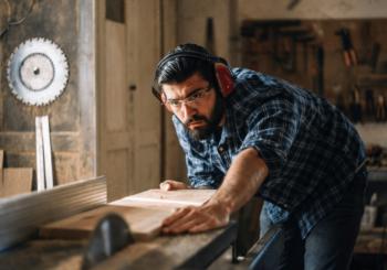 Taglio legno, metallo e cartongesso: ottimizzare il taglio di materiali diversi con tre strumenti