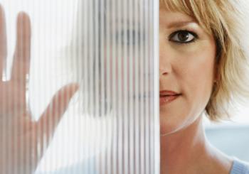 Barriere protettive in plexiglass: pannelli protettivi per uffici, negozi ed enti pubblici