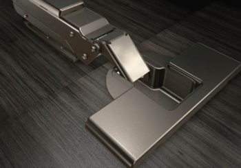 Progettare mobili e cucine su misura: ferramenta e cerniere per ante cucina