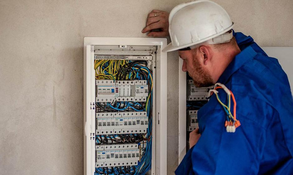 Attrezzatura per l'alta tensione: tutti i prodotti per l'alta tensione per lavorare in sicurezza su tralicci e cavi ad alta tensione