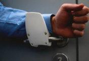 Maniglia apriporta no touch: l'innovativa maniglia ergonomica per aprire le porte senza usare le mani