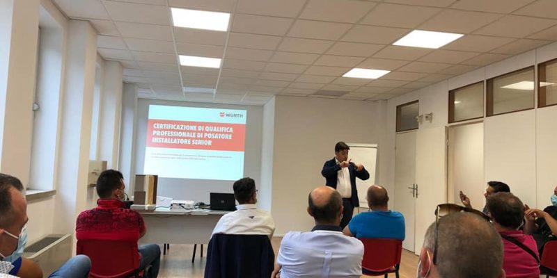 aula seminario Würth posa del serramento