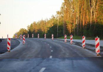 Quali sono le attrezzature e la normativa di sicurezza per i lavori stradali pubblici?