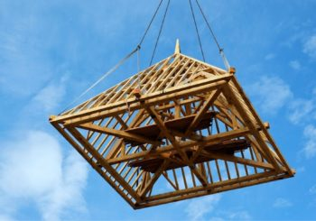 Tipi di tetti: perché costruire un tetto in legno?