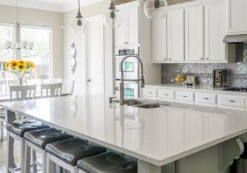 Consigli, idee e spunti per progettare una cucina pratica, bella e che sappia rispondere a tutte le esigenze dei tuoi clienti