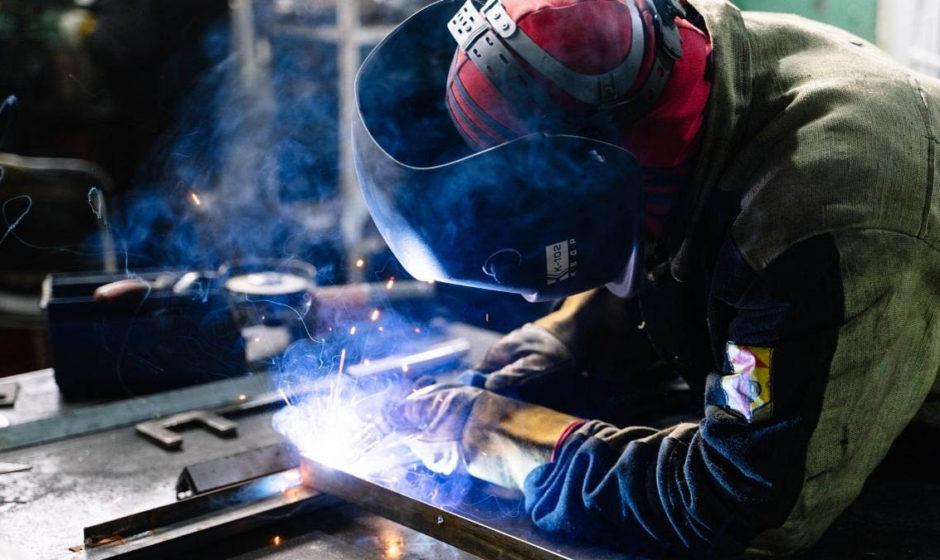 Come saldare l'alluminio a filo senza sbavature? Meglio la saldatura MIG o TIG? Facciamo un po' di chiarezza!