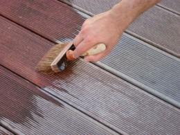 pulizia delle terrazze in legno - cura della superficie