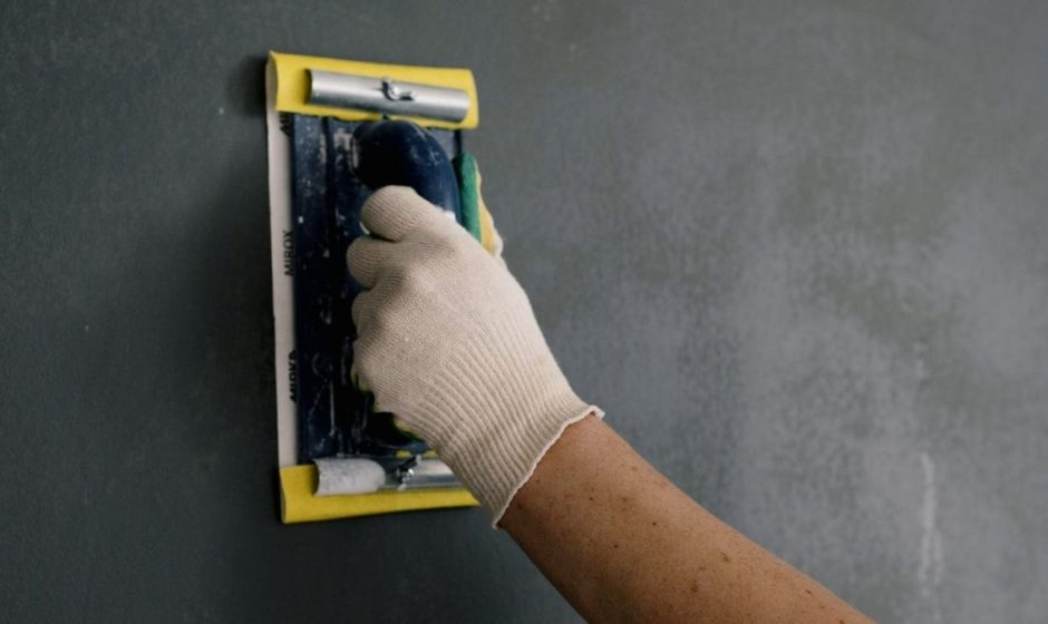 Come scegliere la spatola e i raschietti da usare nell'edilizia? Trova gli attrezzi perfetti per tutti i tuoi lavori in cantiere